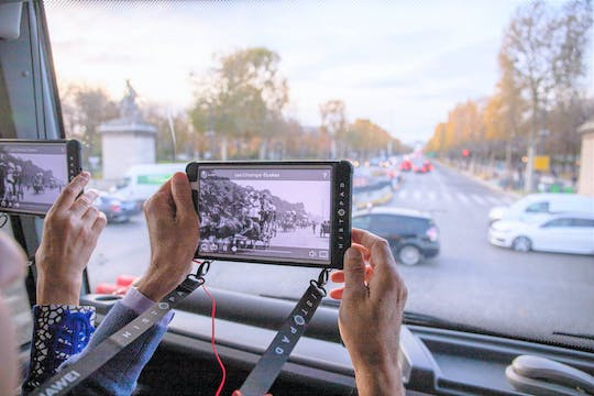 Immersive Paris bus tour with interactive tablet