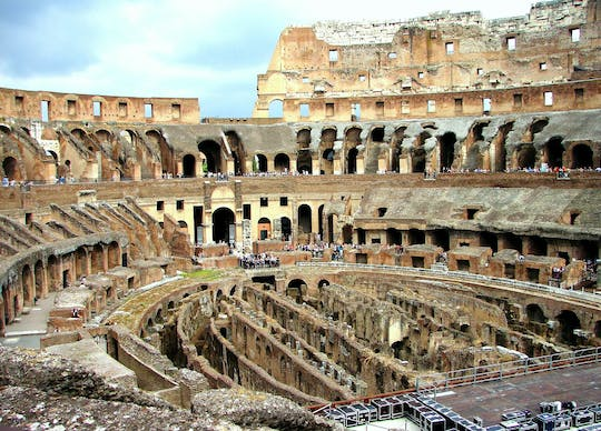 Small group guided tour of with Colosseum fast-track entrance