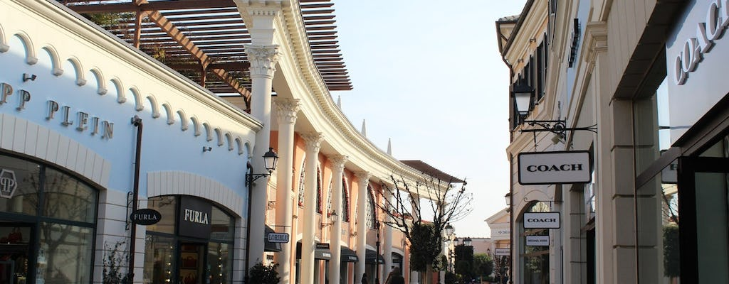 Shopping tour di un'intera giornata all'outlet di Castel Romano