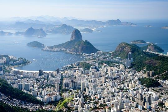 Rio-dagtour met Christus de Verlosser per trein, Sugarloaf, Maracana, Sambadrome, kathedraal, Selaron en lunch