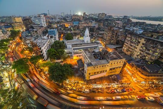 Crucero Mumbai en la noche