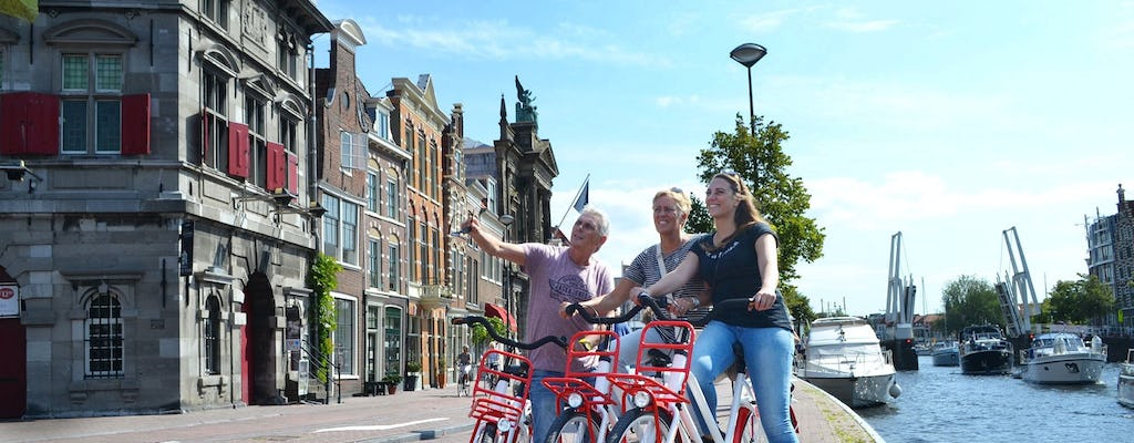 Historical Amsterdam bike tour with audio guide by mobile app