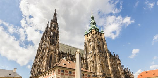 Prague Castle Skip-the-line ticket and private audio tour by mobile app