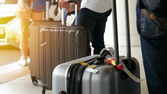 Privétransfer van Adisucipto International Airport naar stadshotels met gids