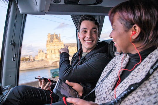 Interactive bus tour of Paris and ticket for the show at Moulin Rouge