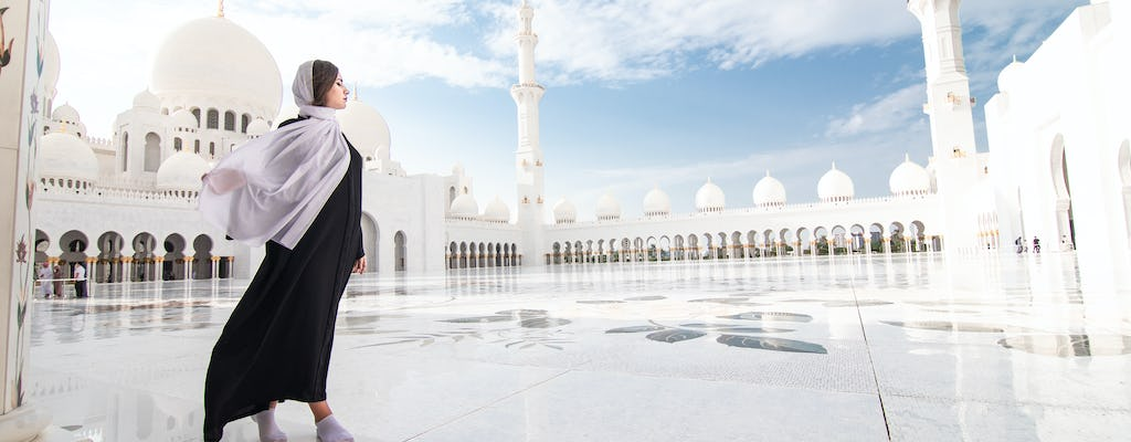 Abu Dhabi Attraction Tour with Grand Mosque Visit and Warner Bros World Ticket