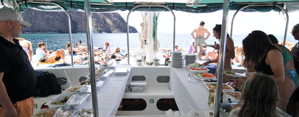 Fajãs boat tour from Madeira