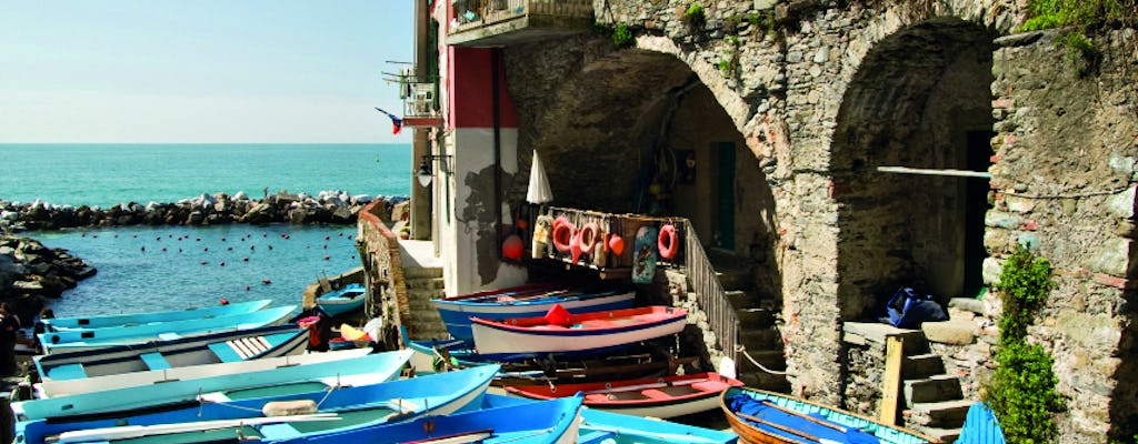 Cinque Terre guided tour and hiking adventure