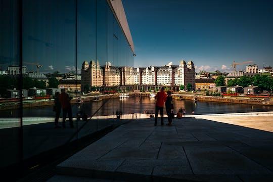 Bewonder de verbazingwekkende architectuur van Oslo tijdens een privéwandeling