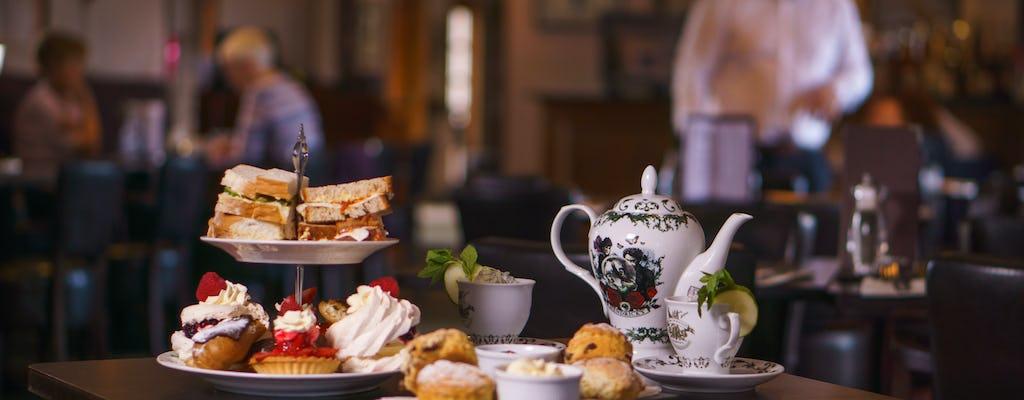 Chá da tarde no bar SkyView do Burj Al Arab com traslado