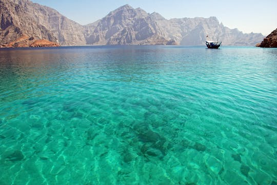 Snorkeling and cruise in Oman