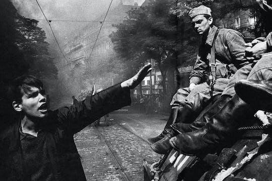 Segunda Guerra Mundial e tour do comunismo em Praga