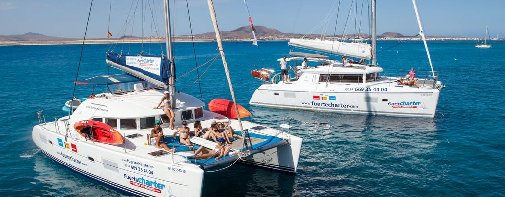 Excursion privée en catamaran au départ de Corralejo