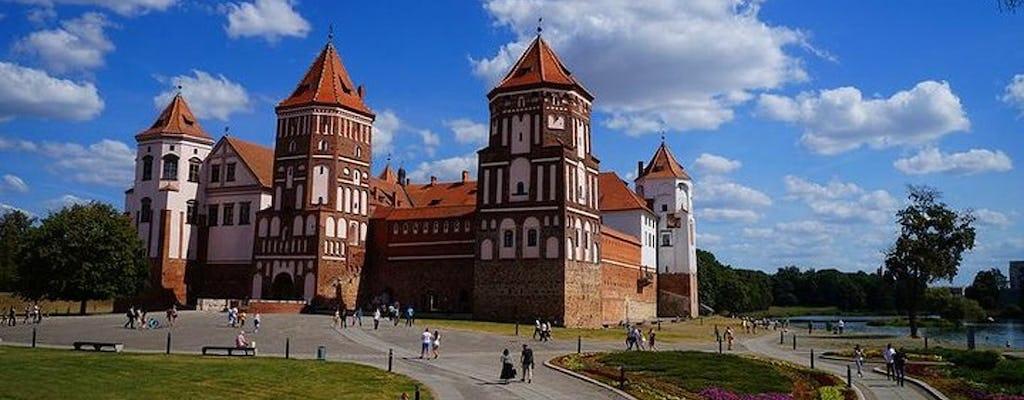 Tour privado a la fortaleza de Brest, el castillo de Mir y el palacio de Nesvizh desde Minsk