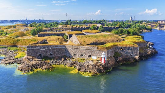 Experience the taste of Helsinki and Suomenlinna in a private tour