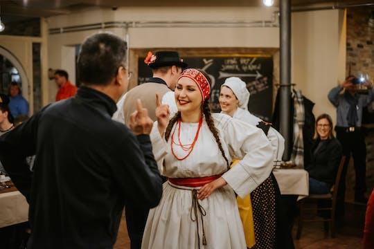 Dîner et spectacle traditionnel slovène de 2 heures