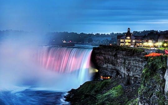 Cataratas del Niágara Canadá: tour privado seguro combinado de día y noche