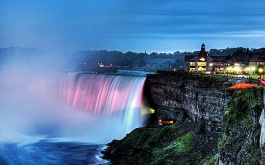 Niagara Falls Canada: day and night combo tour