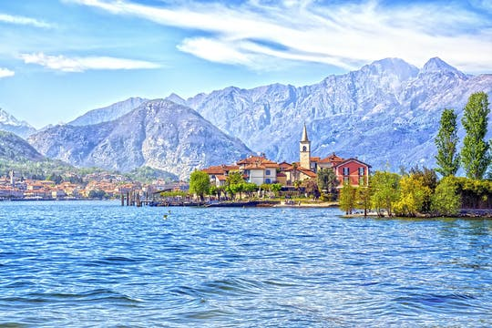 Navigation service from Stresa to Isola Pescatori and Isola Bella