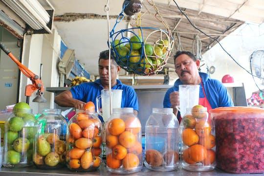 Wandeltocht door de Bazurto-markt in Cartagena