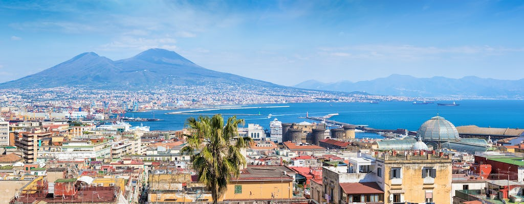 Bike tour of Naples' characteristic places