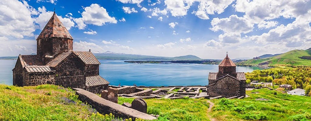 Excursão em grupo cultural e gastronômico ao templo de Garni, mosteiro Geghard, lago Sevan, Sevanavank, almoço e jantar tradicionais