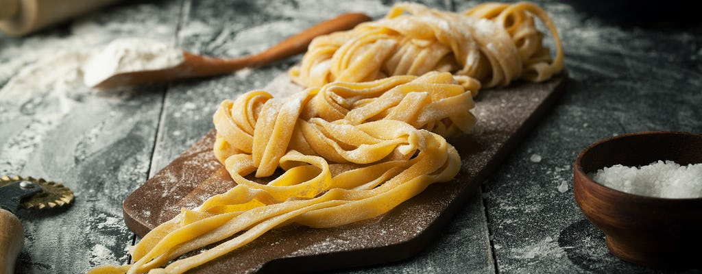 Fresh pasta cooking class and dinner in an Italian restaurant
