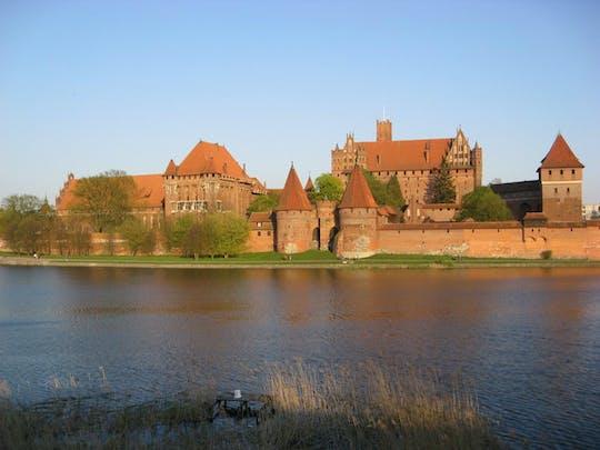 Trasferimento privato tra Varsavia e Danzica con visita del castello di Malbork