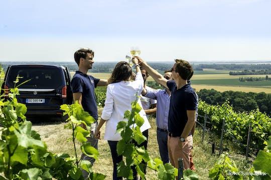 Viagem de champanhe para Veuve Cliquot incluindo vinícola familiar e almoço em Reims