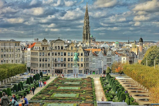 From Amsterdam: private sightseeing tour to Brussels with Atomium tickets