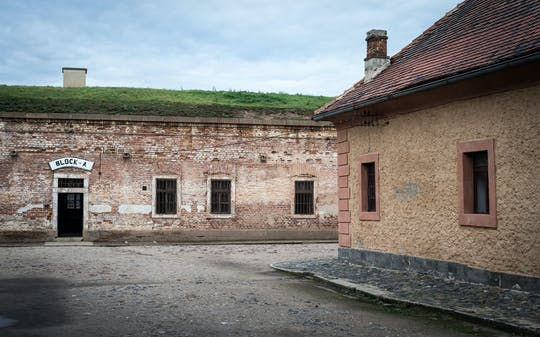 Prywatna mała grupowa wycieczka Terezin z Pragi