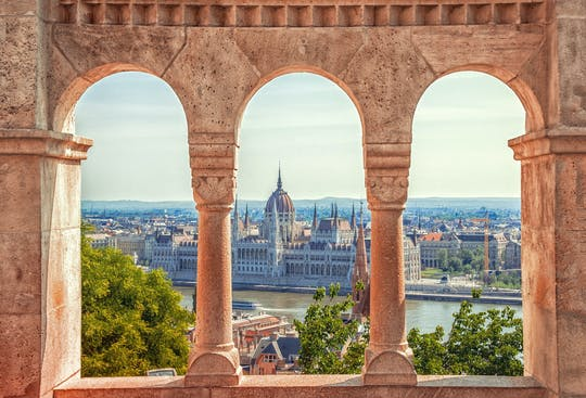 Budapest Private Tour mit privatem Transfer und Guide von Wien