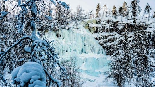Capture as cachoeiras congeladas de Korouoma
