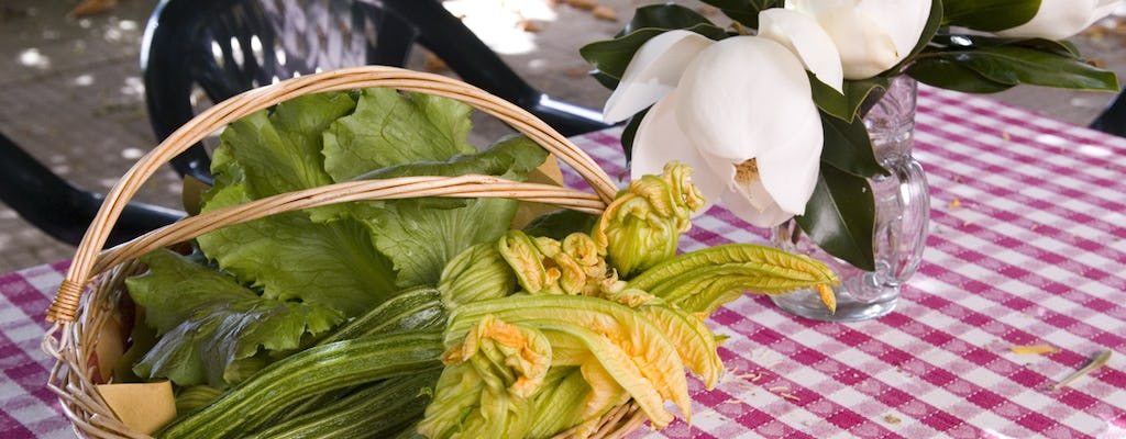 Cooking class experience in the Roman countryside with lunch