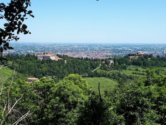 Hiking tour on Bologna's hills