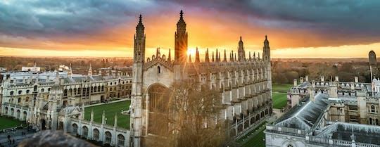 Prywatna wycieczka po uniwersytecie Cambridge i spacer po mieście z profesjonalną fotografią