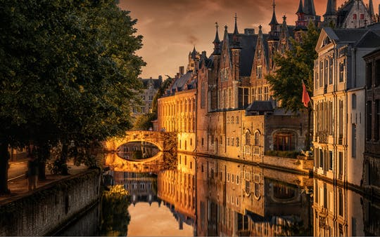 Pendeldienst heen en terug en excursie van Zeebrugge naar Brugge