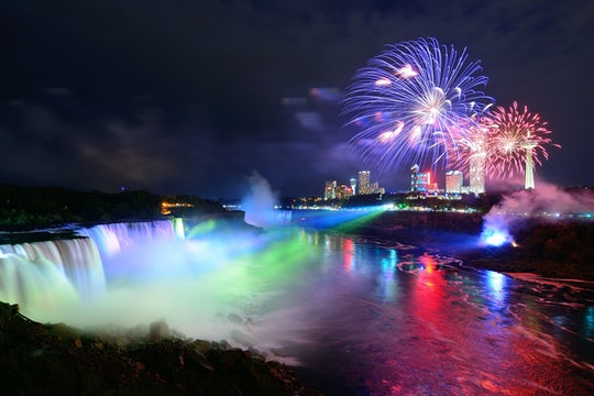 Niagara Falls USA day and night combo: private safe tour