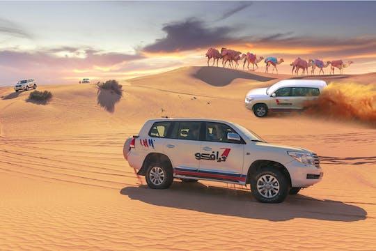 Safari di mezza giornata nel deserto, giro in quad di 30 minuti, giro in cammello e cena barbecue