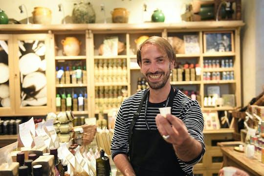 Food tour in Saint-Germain-des-Prés neighborhood