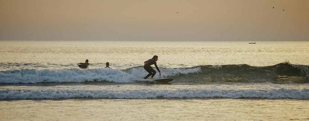 Surfing experience in Porto
