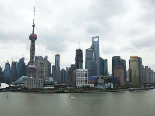 Privater Transfer zum und vom internationalen Flughafen Shanghai Pudong ohne Transrapid