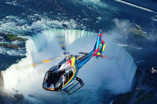 Ultimo tour privato sicuro delle Cascate del Niagara con giro in elicottero e pranzo alla Skylon Tower
