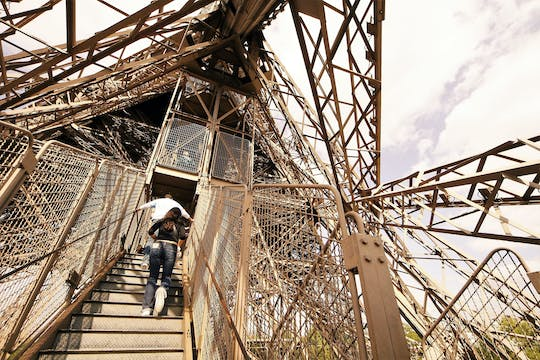 Guided visit of the Eiffel Tower by foot with summit option