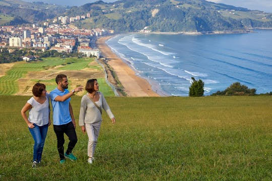 Excursión de día completo a los pueblos de San Sebastián y la costa vasca desde Pamplona