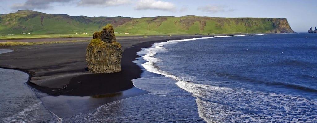 Recorrido privado por la Costa Sur con cascadas y playa de arena negra