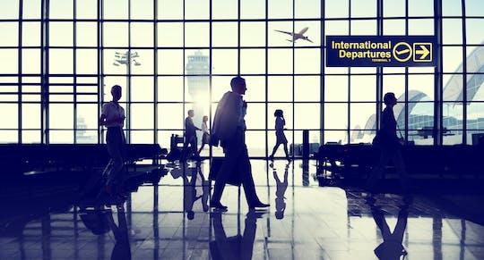 Traslado privado estándar desde su hotel al aeropuerto internacional de Zanzíbar