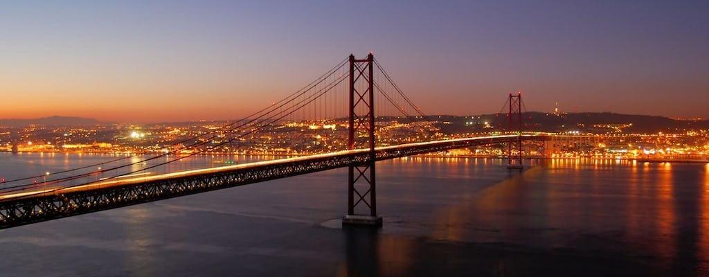 Tour noturno de Lisboa com jantar e show de fado
