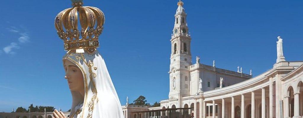 Excursión de día completo a Fátima, Óbidos y Nazaré desde Lisboa