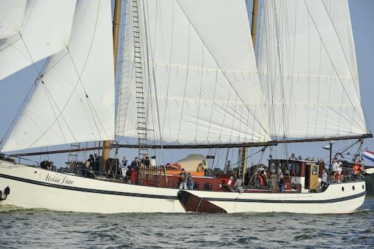 5-stündige Weisse Düne Segeltour Plus am Tag